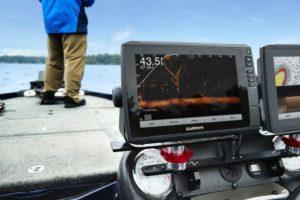 Морской навигатор Гармин echoMAP Ultra 102sv